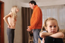 Как чаще всего происходит определение порядка проживания ребёнка после развода родителей