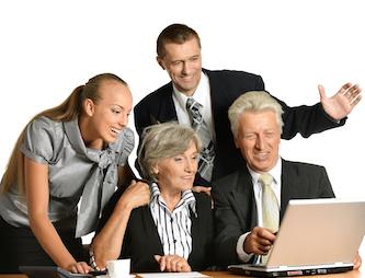 Работающий пенсионер имеет право уволиться без предупреждения заранее