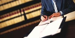 Что должен уметь юрист на предприятии