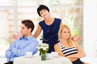 Может ли жена продать машину оформленную на мужа без доверенности