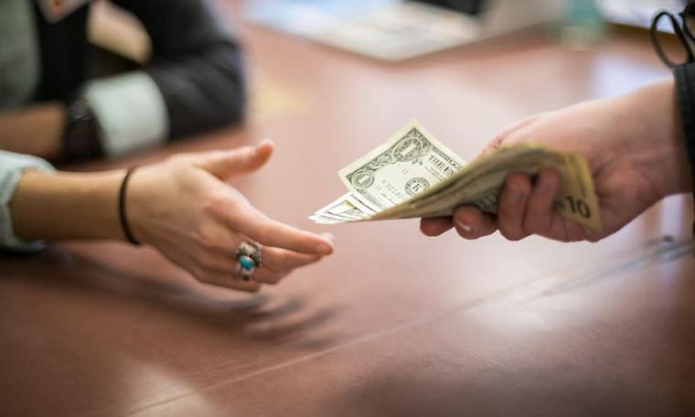 Изображение - Как брать деньги в долг на билайне Kak-vernut-dengi-kotorye-dal-v-dolg-bez-raspiski3