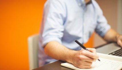 Как правильно пишется заявление на увольнение по собственному желанию?